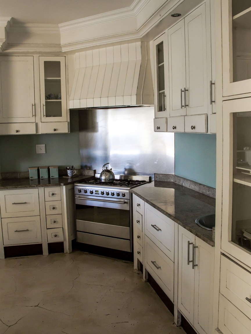 Widenham property for sale. Ref No: 13493005. Picture no 3