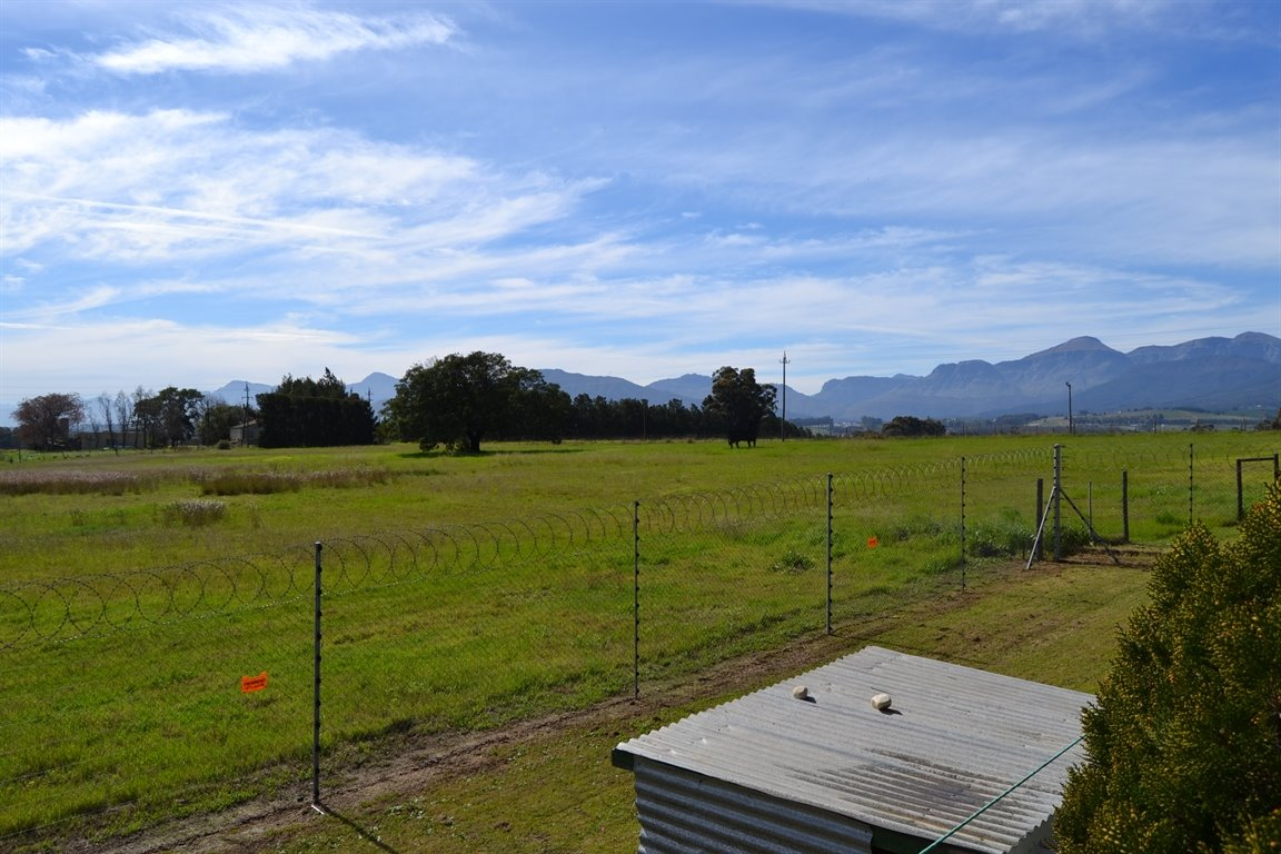 Paarl property for sale. Ref No: 13379607. Picture no 7