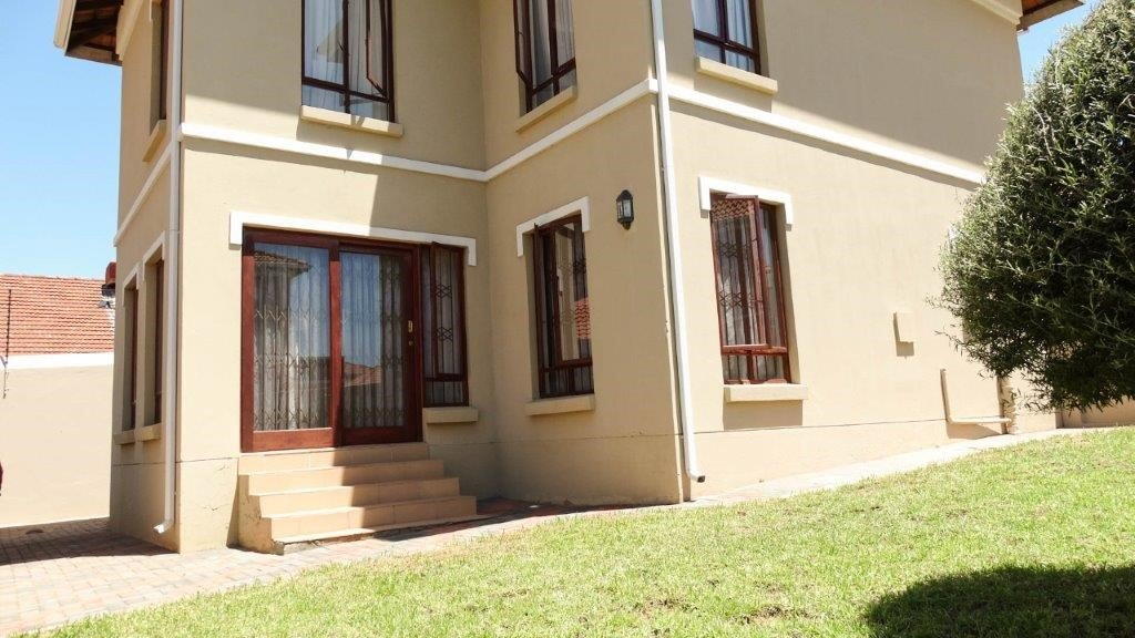 Broadacres property to rent. Ref No: 13423040. Picture no 1