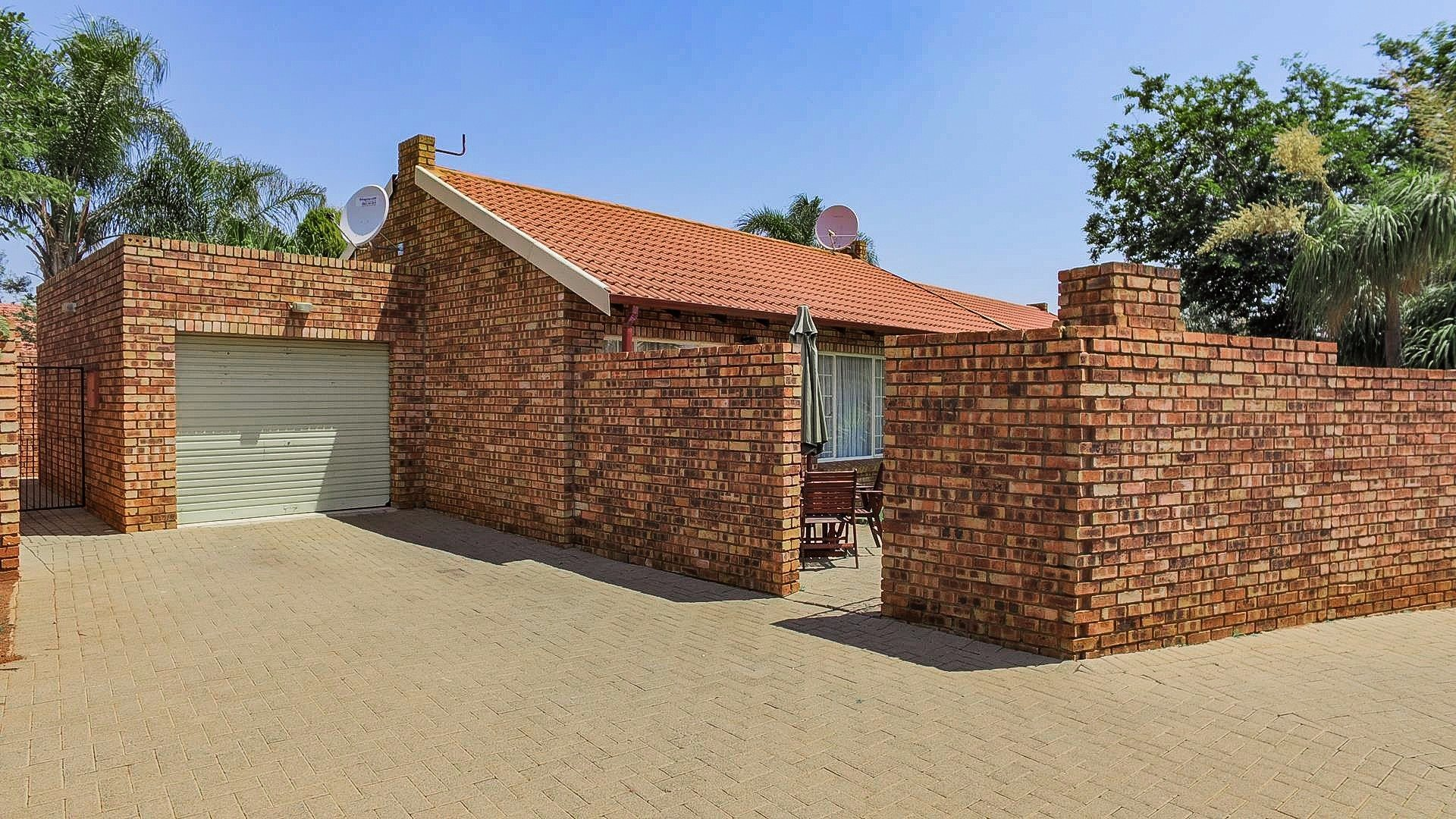 Highveld property for sale. Ref No: 13542050. Picture no 24