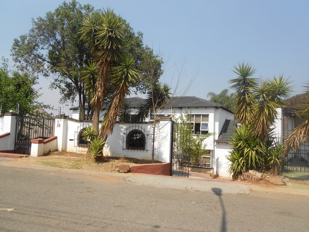 Alan Manor property for sale. Ref No: 13529564. Picture no 4
