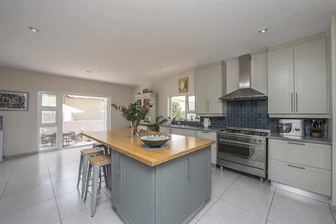 Dainfern Golf Estate property for sale. Ref No: 13423253. Picture no 8