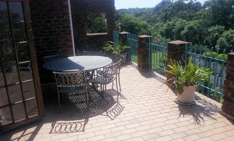 Uvongo property for sale. Ref No: 12733435. Picture no 2
