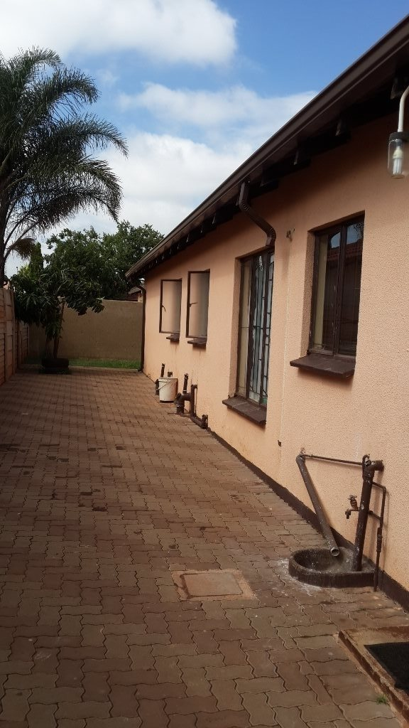 The Orchards property to rent. Ref No: 13571412. Picture no 14