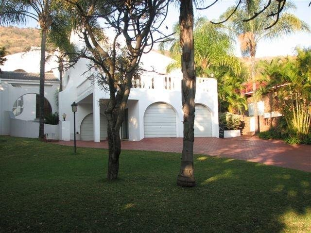Property and Houses for sale in Florauna, House, 6 Bedrooms - ZAR 3,800,000