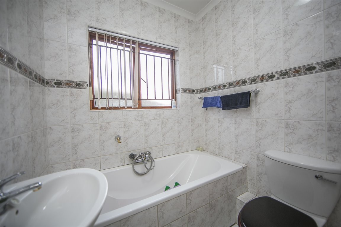 Craigavon property for sale. Ref No: 13360081. Picture no 17