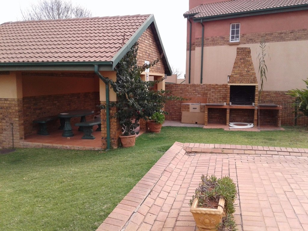 Elarduspark for sale property. Ref No: 13549856. Picture no 6