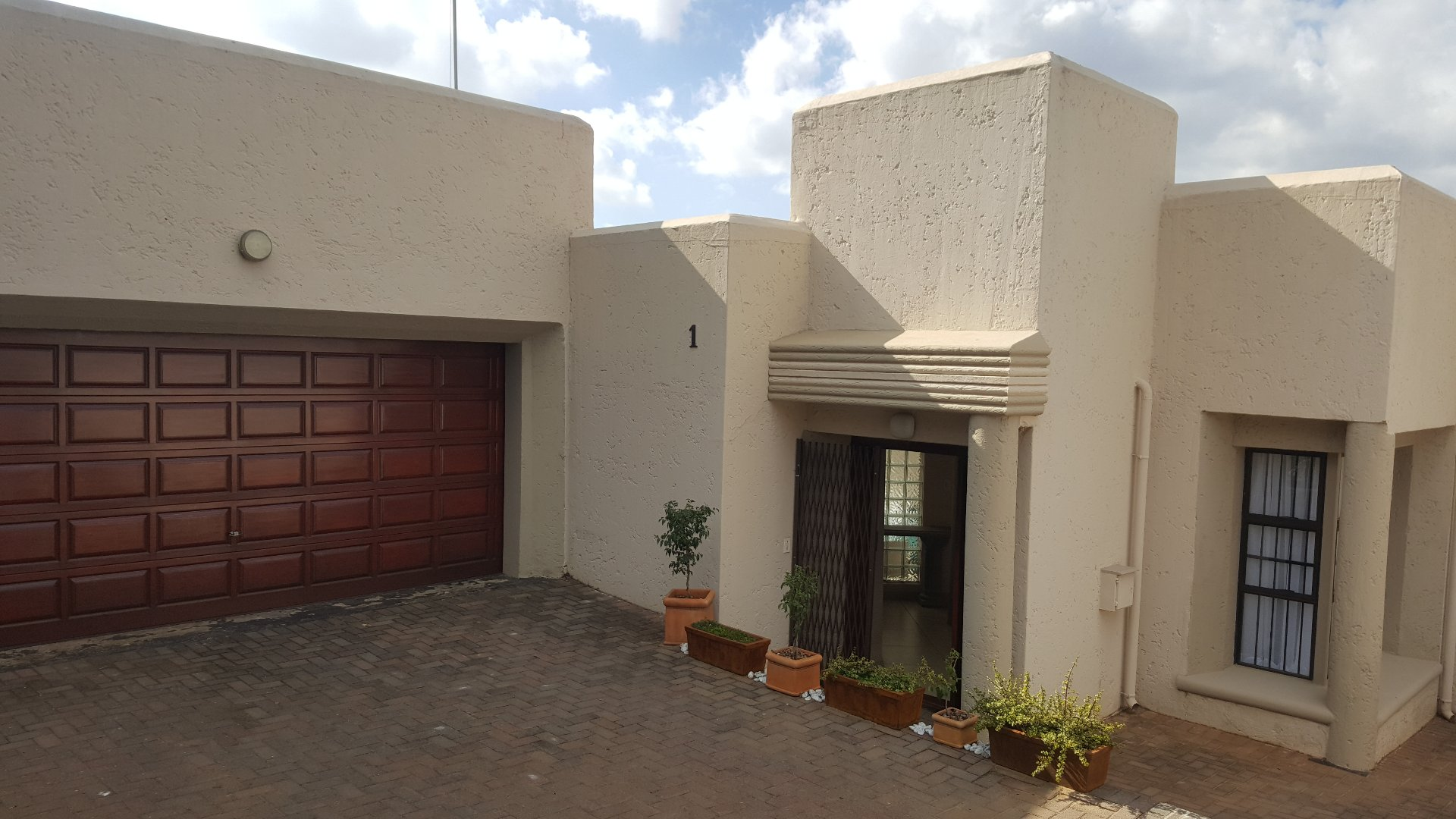 Roodepoort, Helderkruin Property    Houses For Sale Helderkruin, Helderkruin, House 3 bedrooms property for sale Price:1,750,000