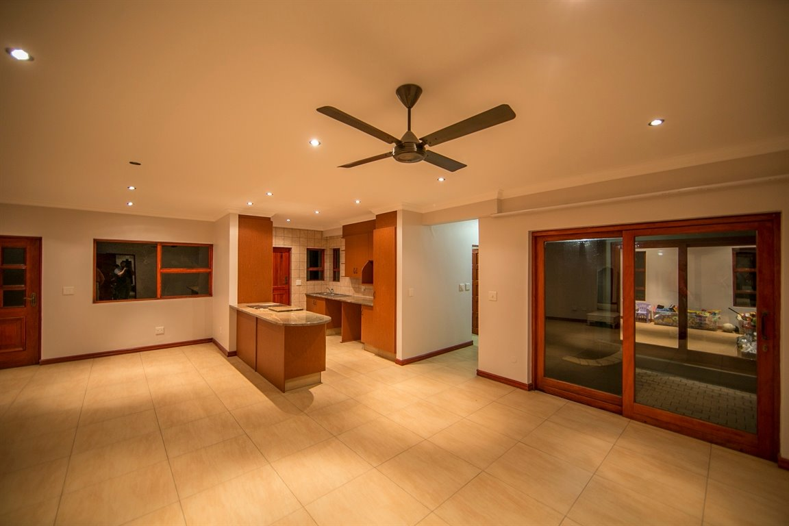 Fernbrook Estate property for sale. Ref No: 13399584. Picture no 17