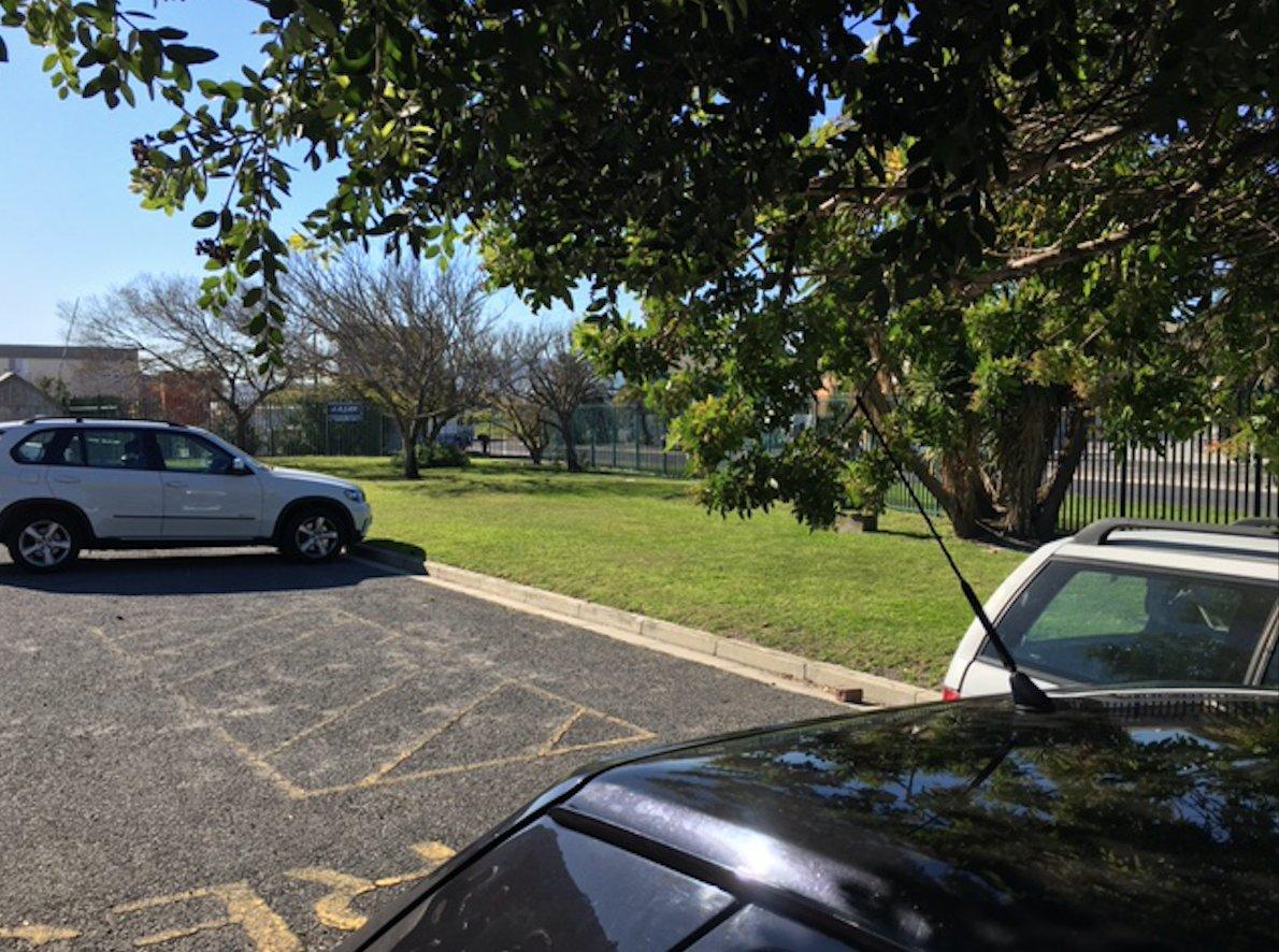 Montague Gardens property for sale. Ref No: 13532565. Picture no 7