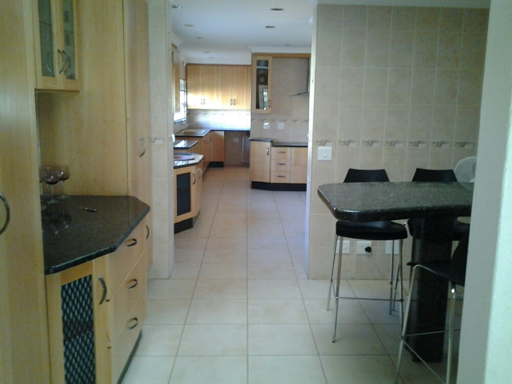 Three Rivers Proper property for sale. Ref No: 12737944. Picture no 4