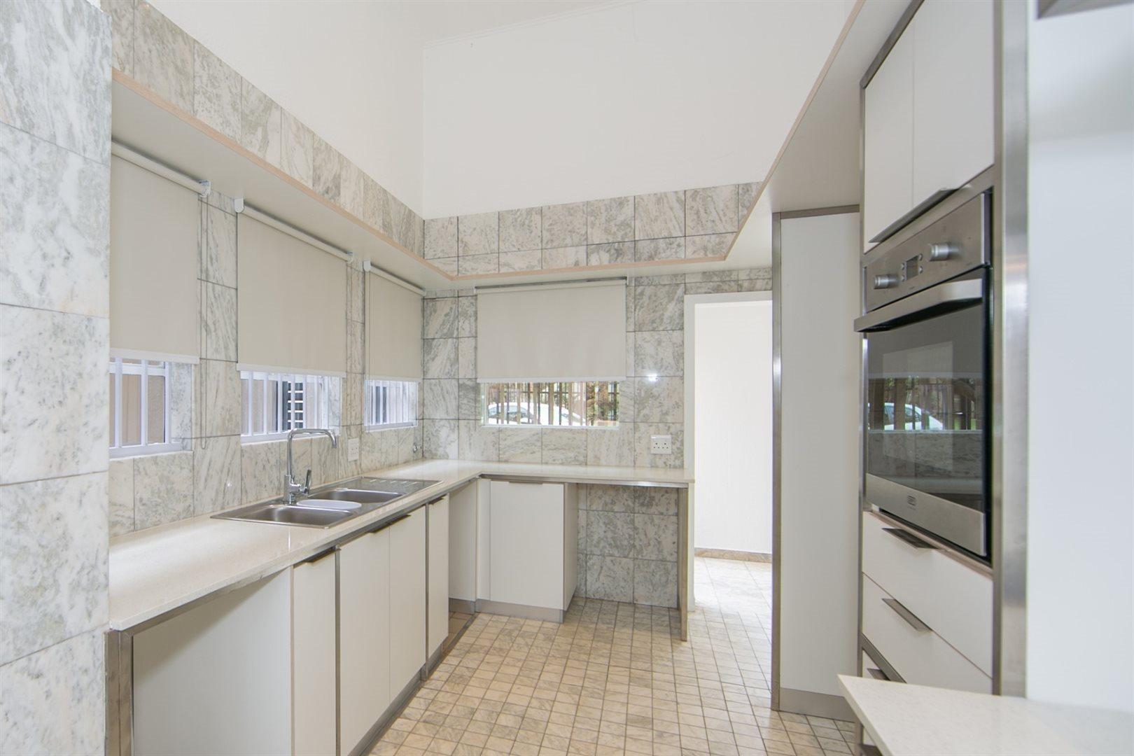 Fourways property to rent. Ref No: 13541041. Picture no 8