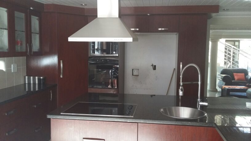 Karenpark property for sale. Ref No: 13565301. Picture no 6