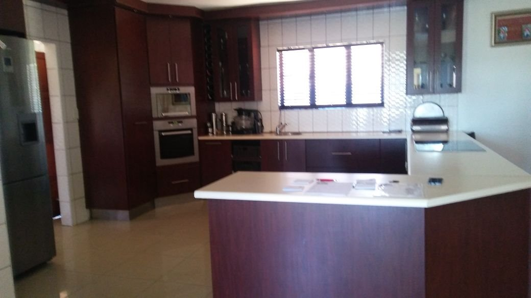 Willowbrook property for sale. Ref No: 13573739. Picture no 4