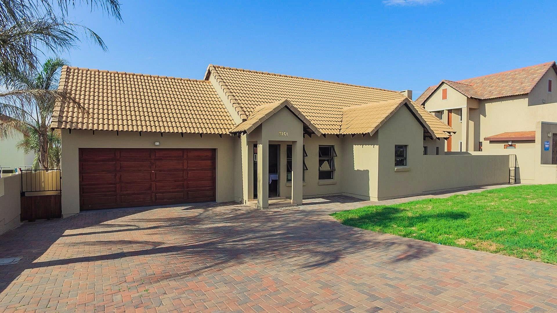 Centurion, Brooklands Lifestyle Estate Property  | Houses For Sale Brooklands Lifestyle Estate, Brooklands Lifestyle Estate, House 4 bedrooms property for sale Price:2,100,000