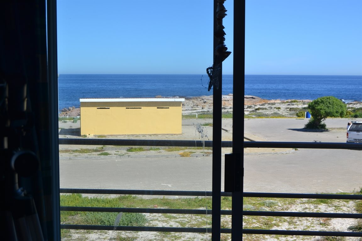 Lamberts Bay property for sale. Ref No: 13394487. Picture no 6