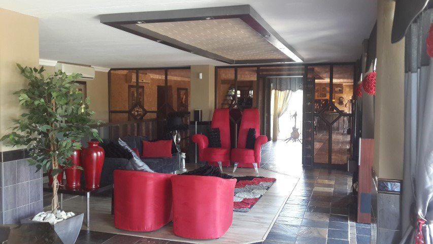 Bloemfontein property for sale. Ref No: 13597496. Picture no 6