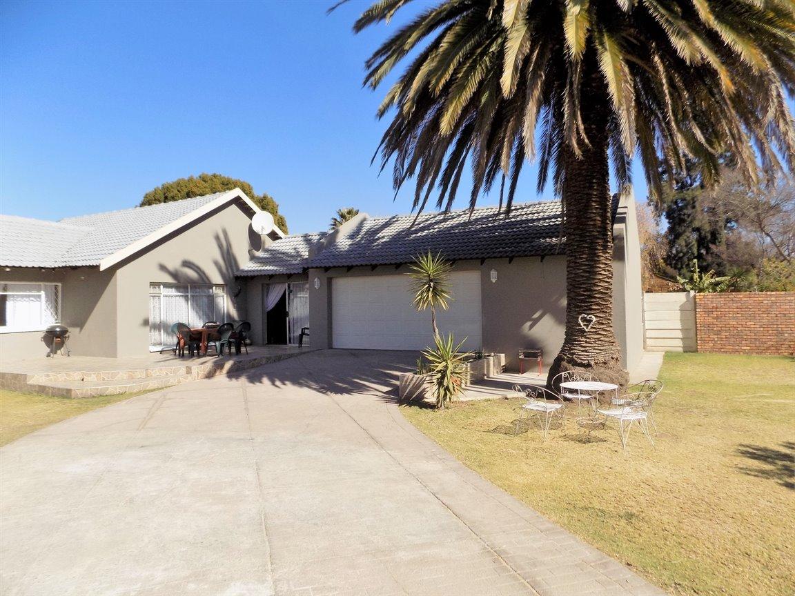 Alberton property for sale. Ref No: 13393819. Picture no 2