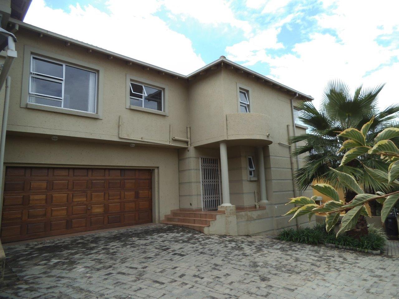 Johannesburg, Glenvista Property  | Houses For Sale Glenvista - Page 2, Glenvista, Townhouse 3 bedrooms property for sale Price:2,280,000