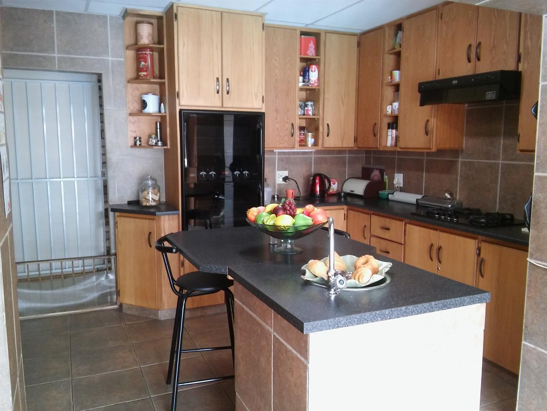Vanderbijlpark Sw 5 property for sale. Ref No: 13444945. Picture no 10