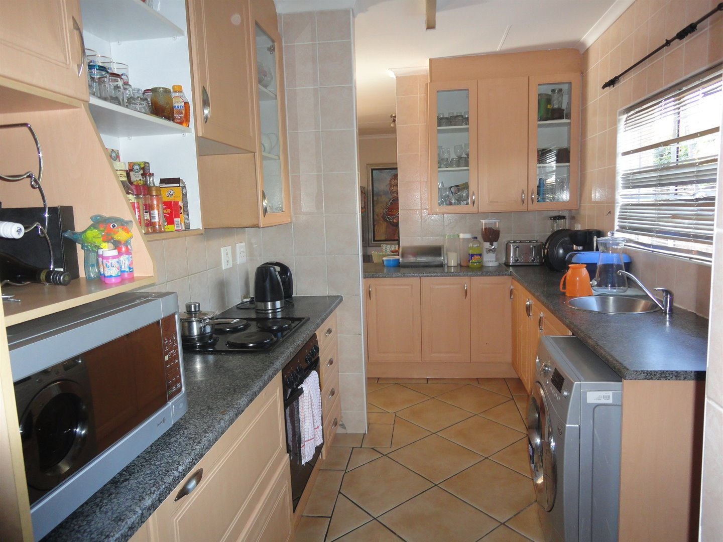 North Riding property to rent. Ref No: 13515054. Picture no 11