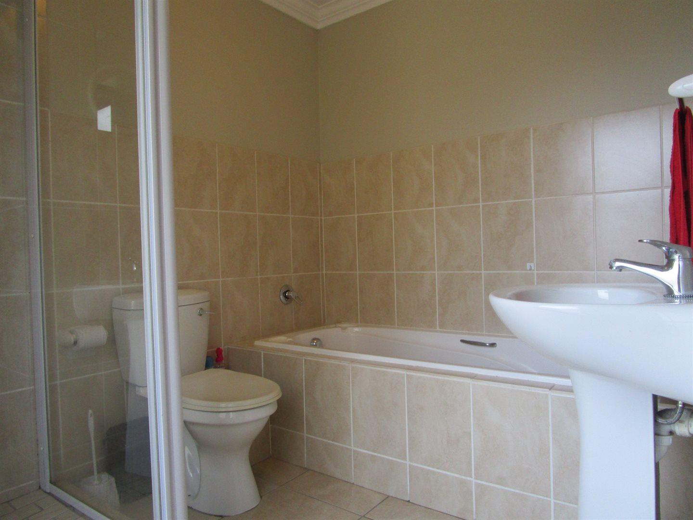De Wijnlanden Residential Estate property for sale. Ref No: 13524985. Picture no 10