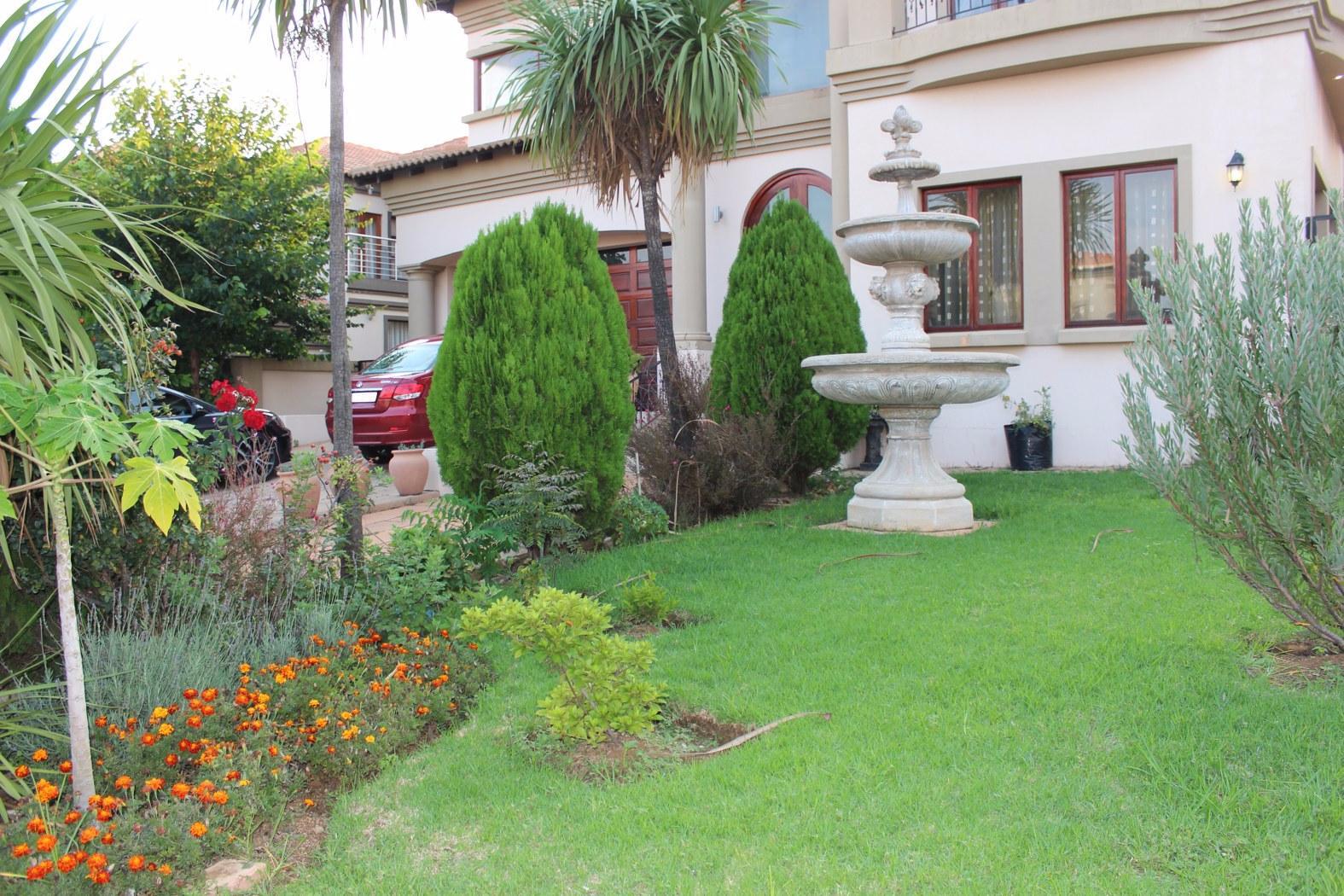 Johannesburg, Aspen Hills Nature Estate Property  | Houses For Sale Aspen Hills Nature Estate, Aspen Hills Nature Estate, House 5 bedrooms property for sale Price:4,800,000