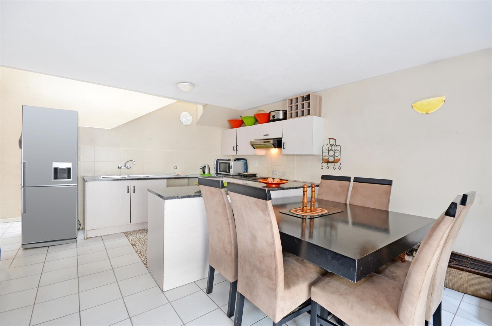 Johannesburg, Corlett Gardens Property  | Houses For Sale Corlett Gardens, Corlett Gardens, Apartment 2 bedrooms property for sale Price:790,000