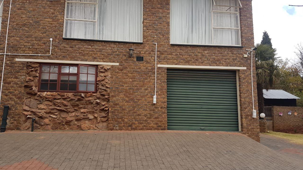 Krugersdorp, Rant En Dal Property  | Houses For Sale Rant En Dal, Rant En Dal, House 3 bedrooms property for sale Price:3,250,000