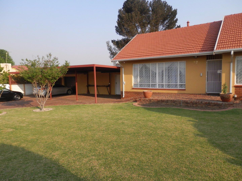 Kibler Park property for sale. Ref No: 13534955. Picture no 2