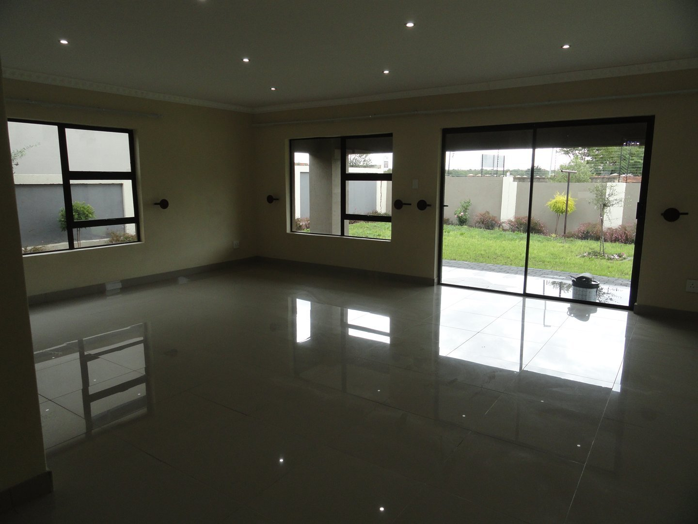 Willow Acres Estate property for sale. Ref No: 13473861. Picture no 8