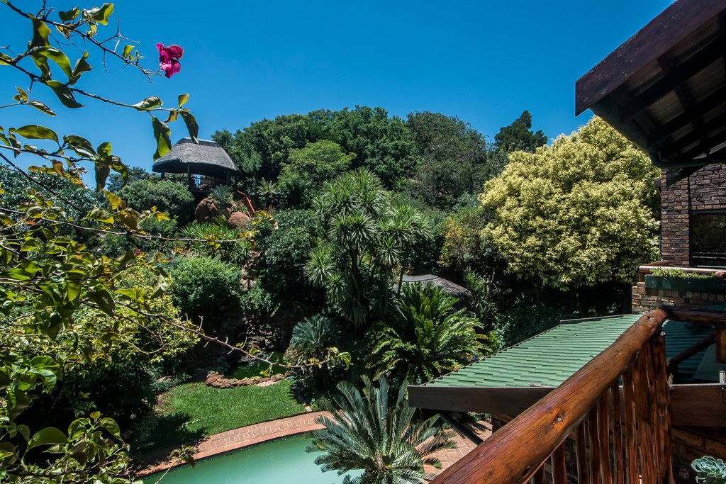 Glenvista property for sale. Ref No: 13529565. Picture no 26