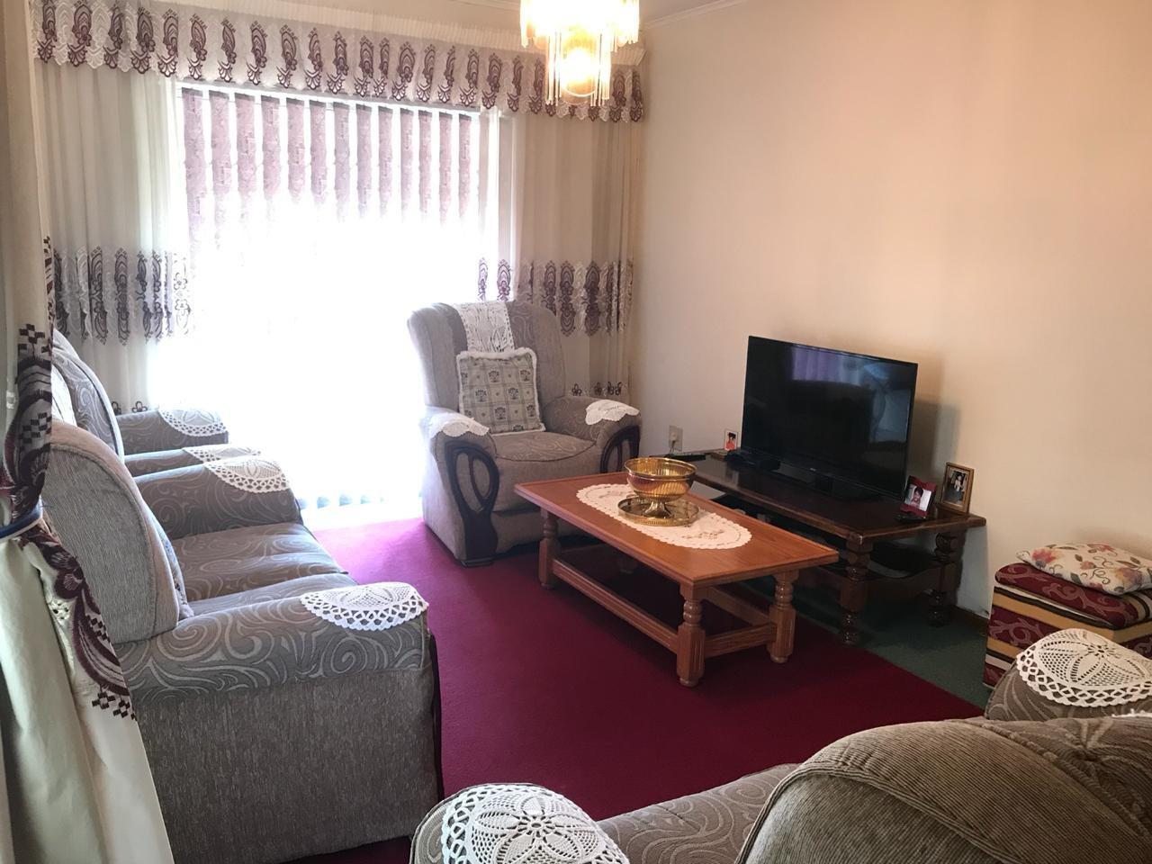 Brackenham property for sale. Ref No: 13586697. Picture no 3