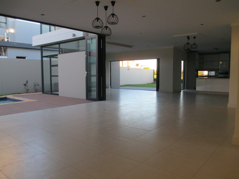 Midstream Ridge Estate property for sale. Ref No: 13479529. Picture no 17