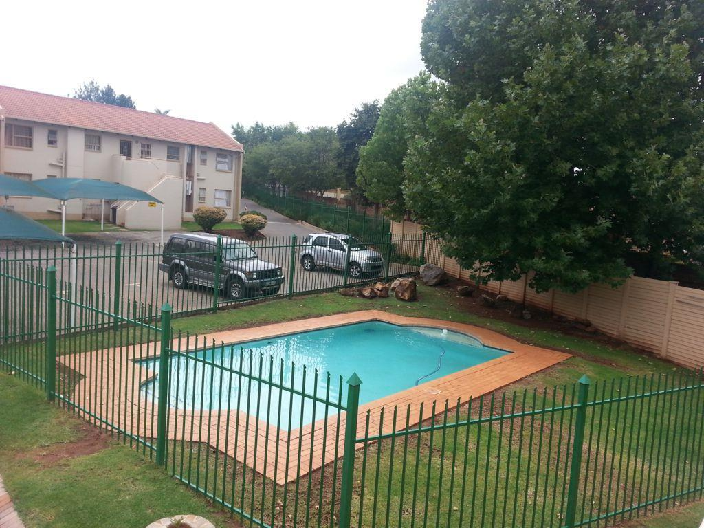 Die Hoewes property to rent. Ref No: 13441064. Picture no 5