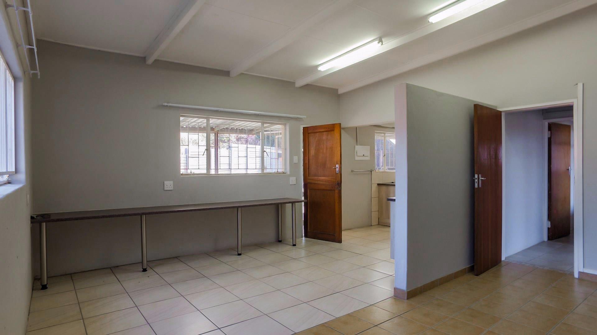 Erasmia property for sale. Ref No: 13379466. Picture no 11