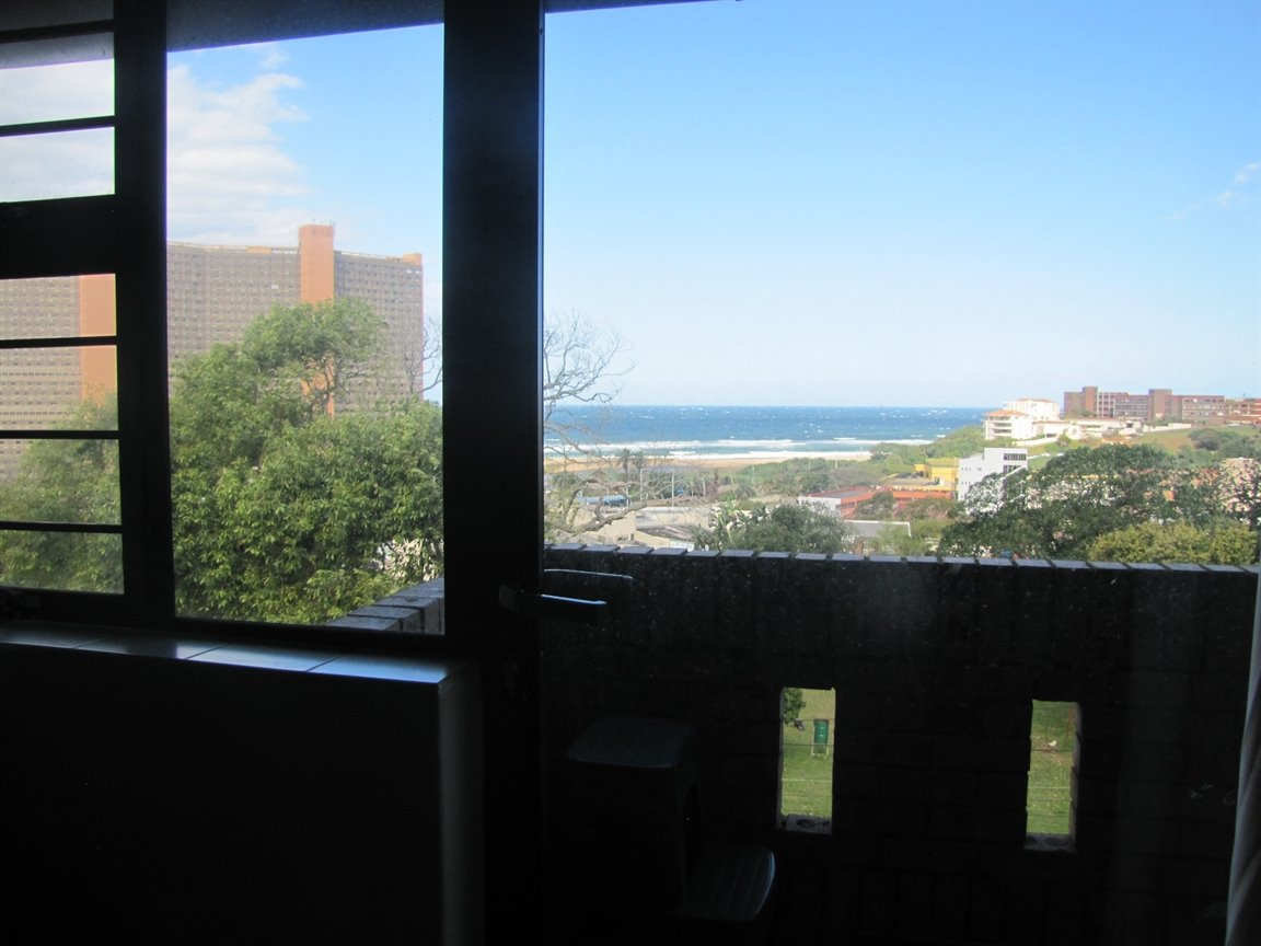 Amanzimtoti property for sale. Ref No: 13377010. Picture no 11