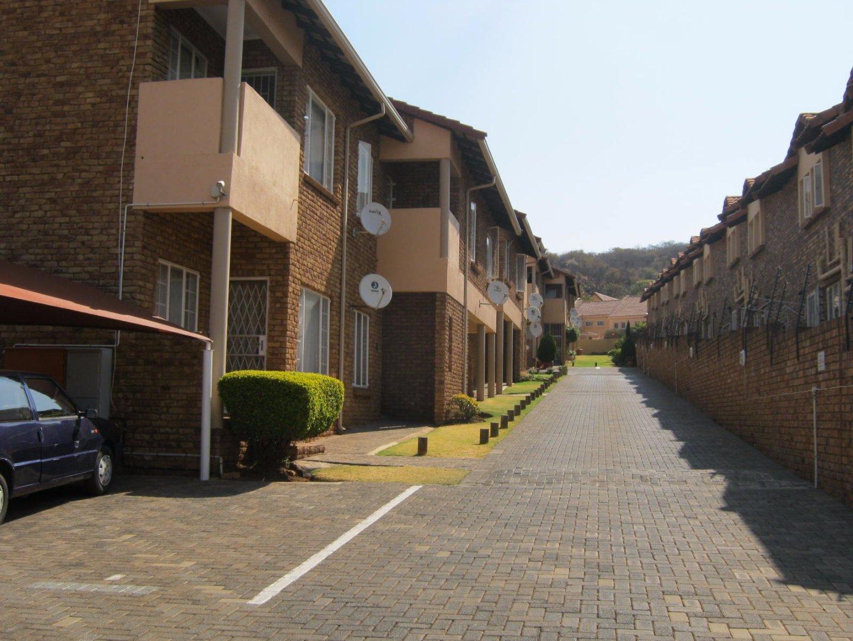 Johannesburg, Glenvista Property    Houses To Rent Glenvista, Glenvista, Townhouse 2 bedrooms property to rent Price:,  6,00*