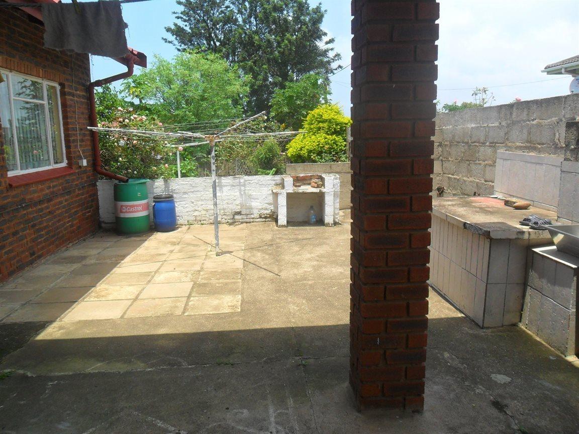 Craigieburn property for sale. Ref No: 13521257. Picture no 16