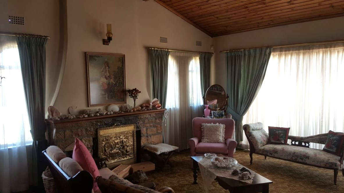 Property and Houses for sale in Panorama, House, 4 Bedrooms - ZAR 2,275,000