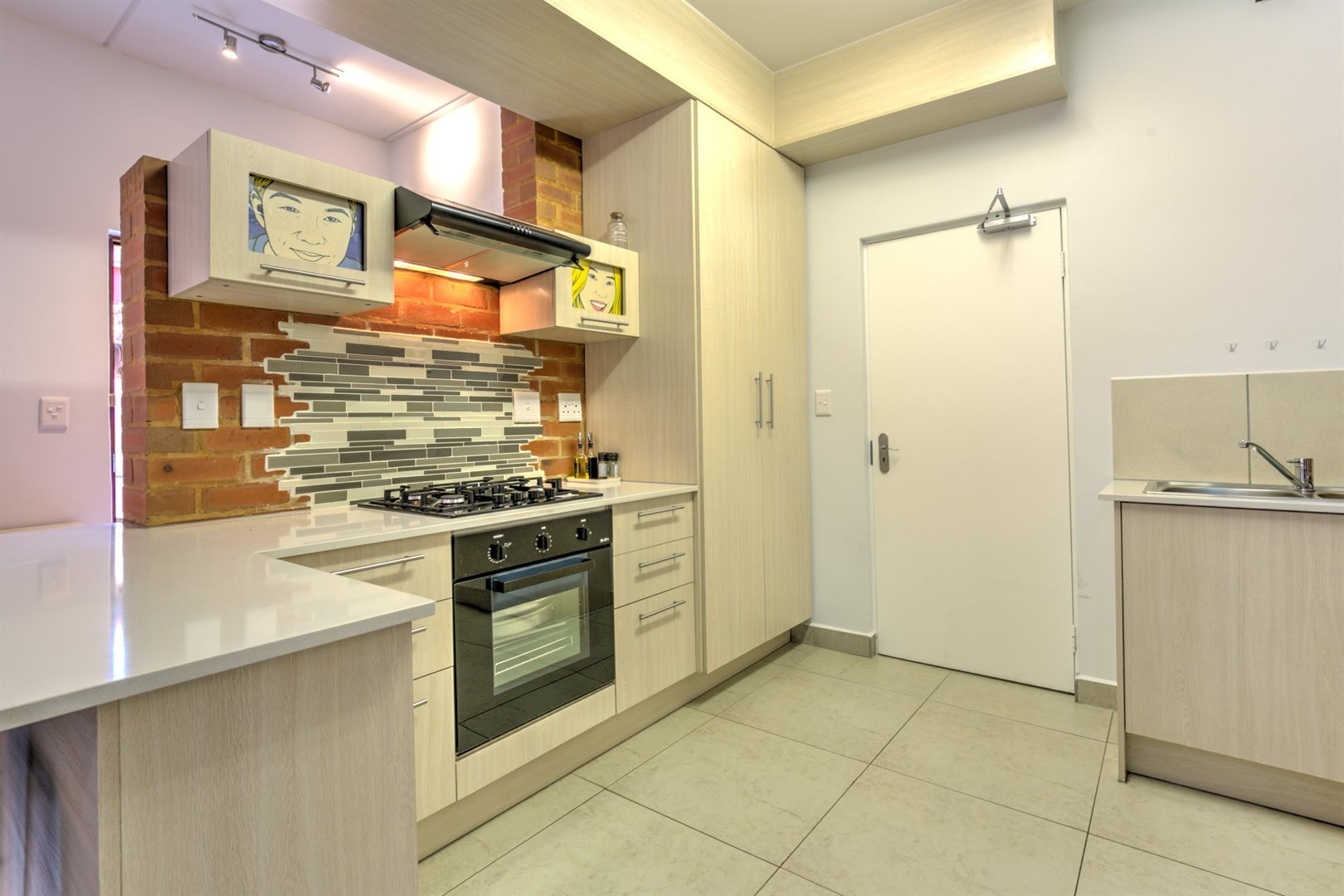 Townhouse for sale in fourways 3 bedroom 13486558 12 31 for Kitchen cupboards fourways