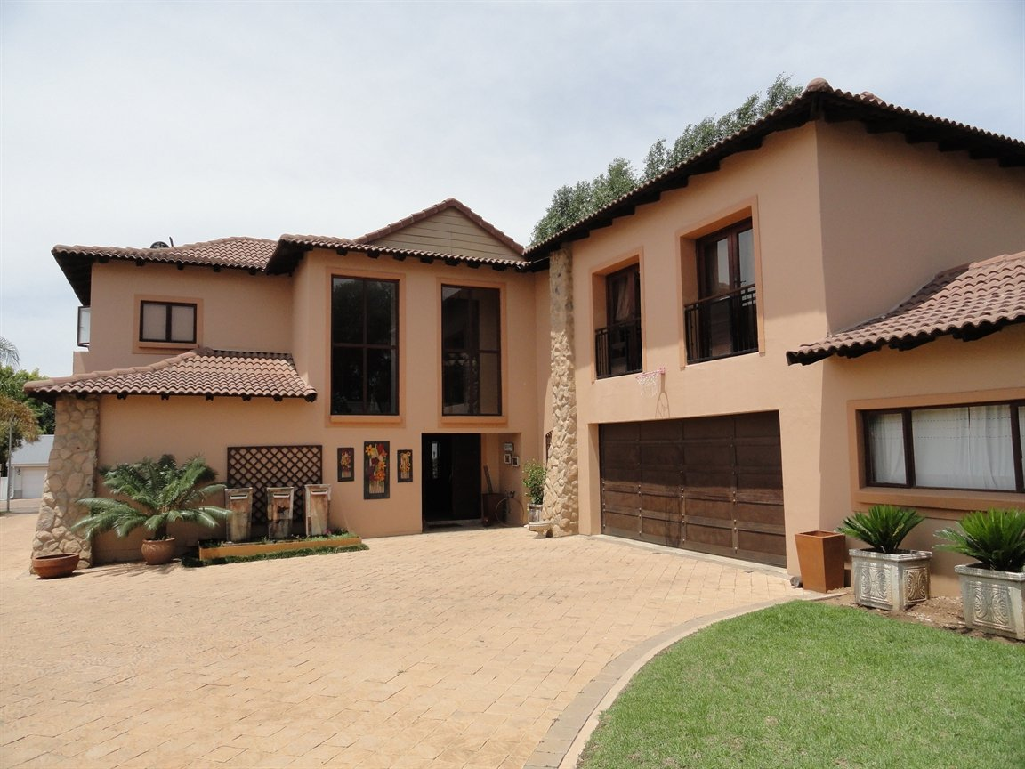 Pretoria, Silver Lakes Property  | Houses To Rent Silver Lakes, Silver Lakes, House 4 bedrooms property to rent Price:, 35,00*