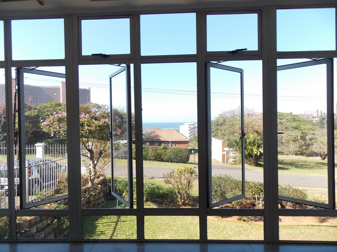 Amanzimtoti property for sale. Ref No: 13371310. Picture no 5
