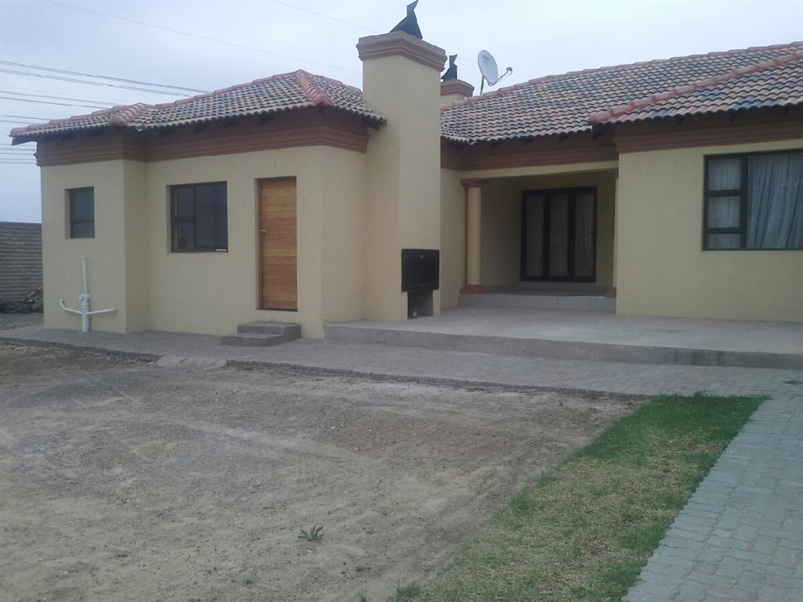 Three Rivers East property for sale. Ref No: 13276344. Picture no 9
