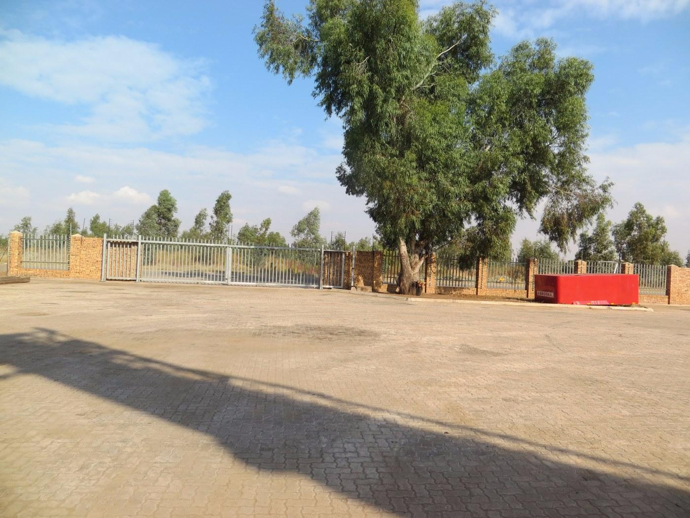 Alrode South property for sale. Ref No: 13430707. Picture no 5