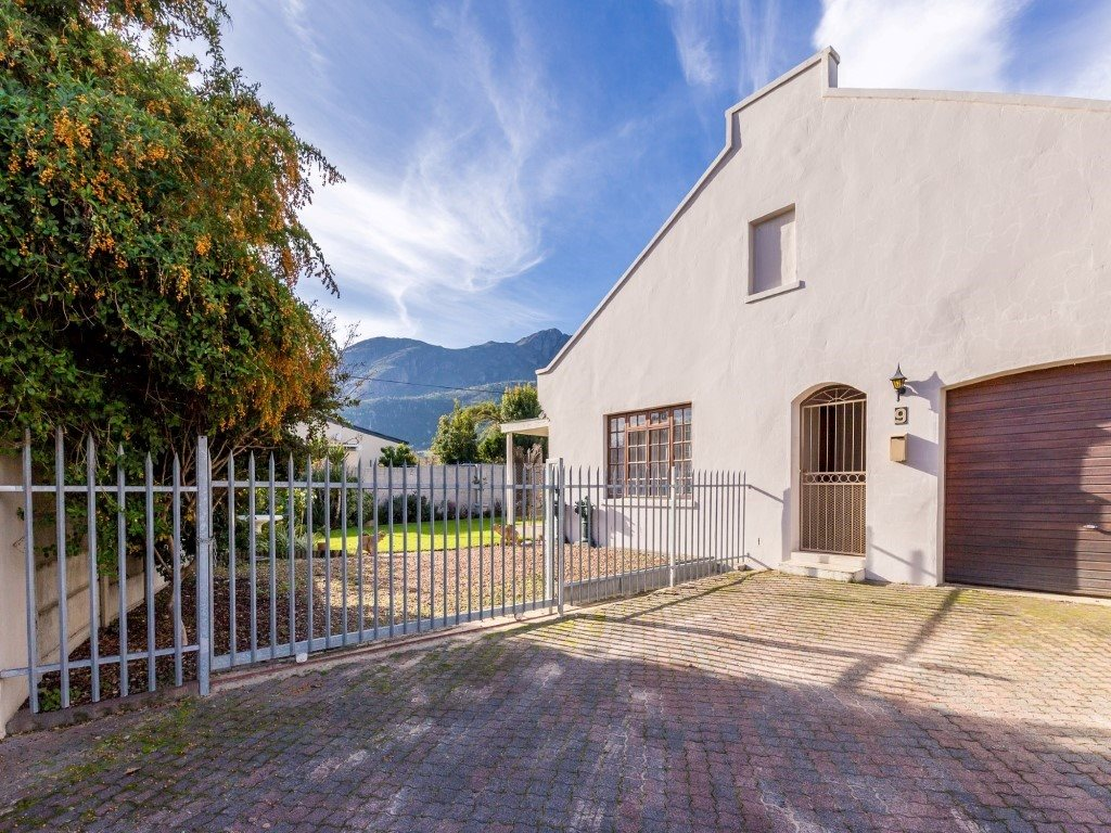 Franschhoek property for sale. Ref No: 13353946. Picture no 21