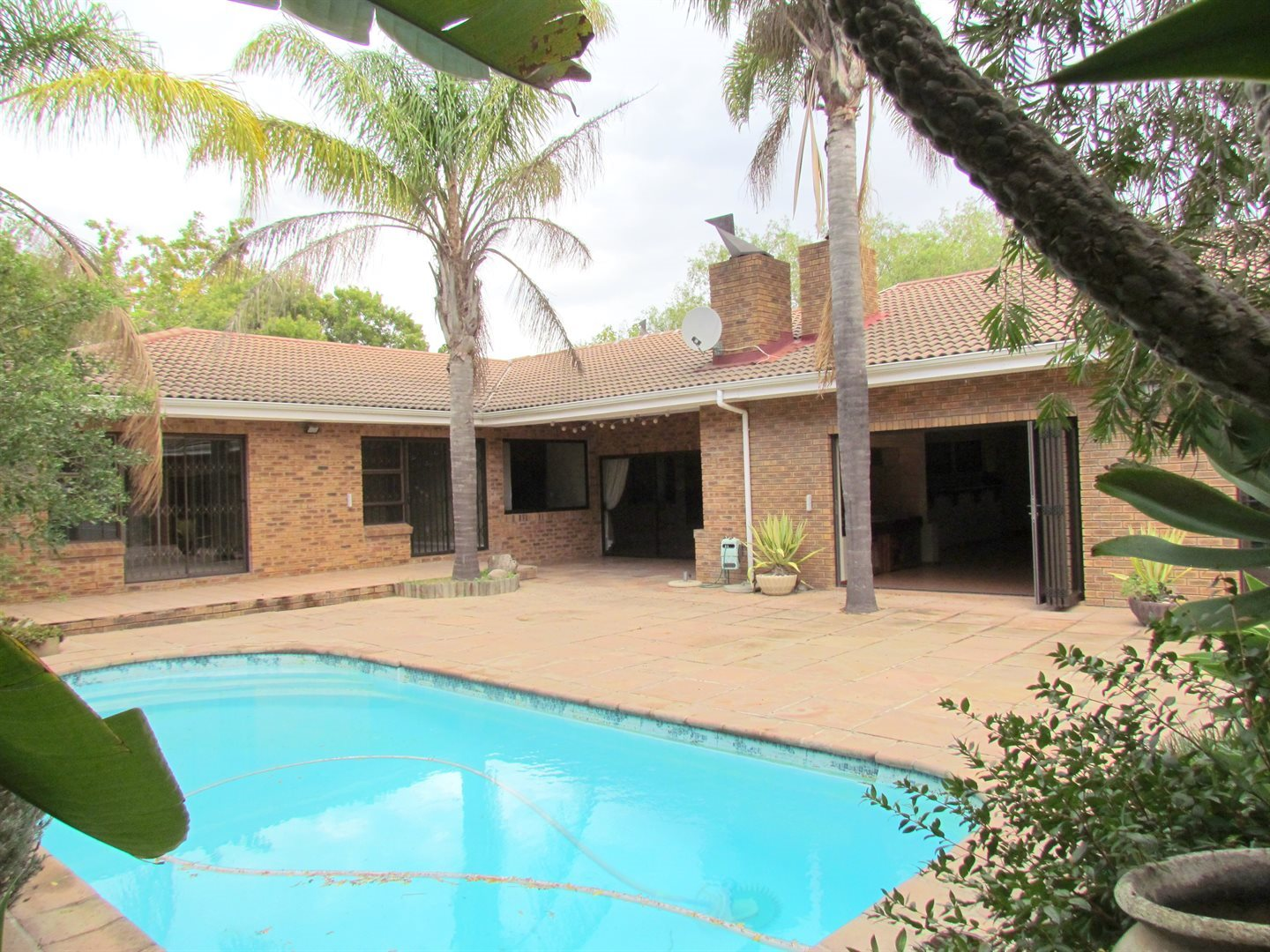Property and Houses for sale in Paradyskloof, House, 3 Bedrooms - ZAR 4,700,000