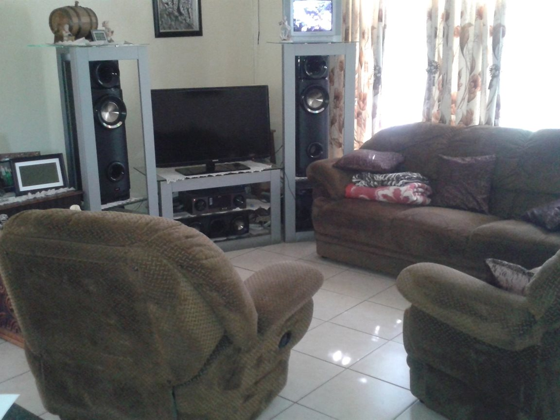 Umtentweni property for sale. Ref No: 12796032. Picture no 16