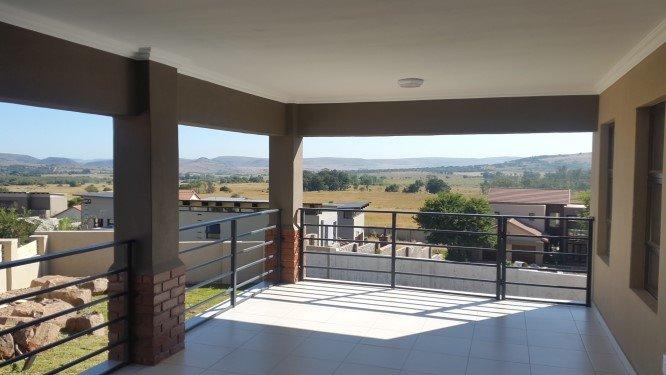 Copperleaf Estate property for sale. Ref No: 13327944. Picture no 2