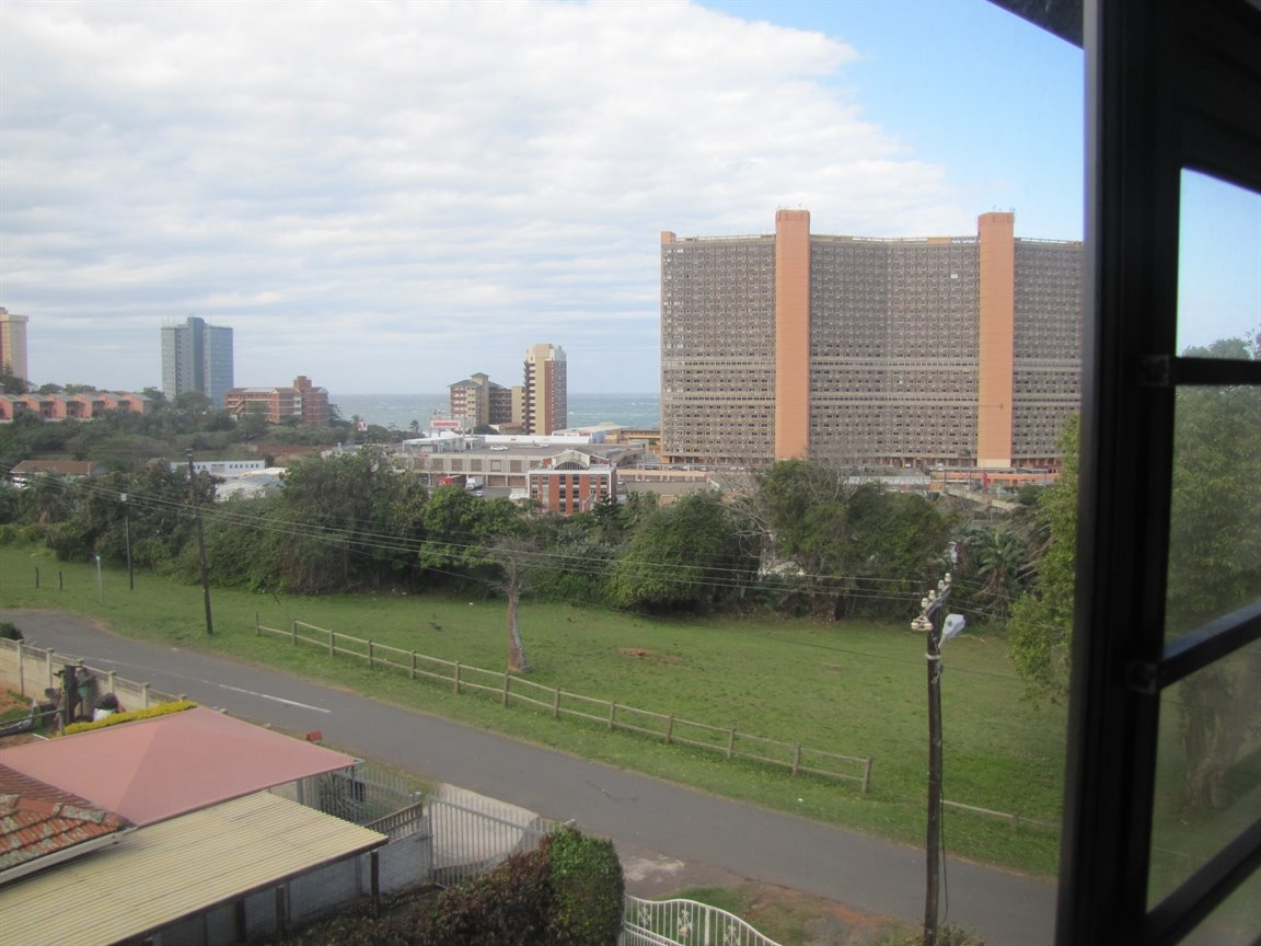 Amanzimtoti property for sale. Ref No: 13377010. Picture no 26